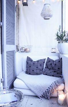 Small balcony www.stijlvolstyling.com