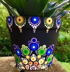 Flower Pot Art, Flower Pot Design, Clay Flower Pots, Flower Pot Crafts, Clay Pot Crafts, Dot Art Painting, Mandala Painting, Pottery Painting, Stone Painting