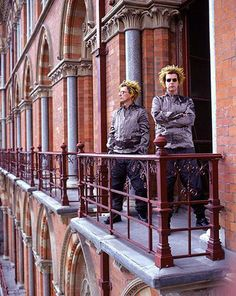 Pet Shop Boys - Eric Watson Pet Shop Boys, Chris Lowe, Neil Tennant, San Francisco Tours, Boy Music, Music Artists, Night Life, Animal Pictures, Princess Zelda