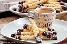 Spritz Cookie Recipe, Spritz Cookies, No Bake Cookies, Cookie Recipes, Dessert Recipes, Desserts, Biscuits, Cookie Bars, Yummy Food