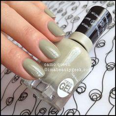 Discover the 10 most popular nail polish colors of all time! - My Nails Shellac Nail Art, Uv Gel Nails, Diy Nails, Fancy Nails, Pretty Nails, Cute Nail Colors, Nail Polish Colors, Gel Polish, Sally Hansen Nails