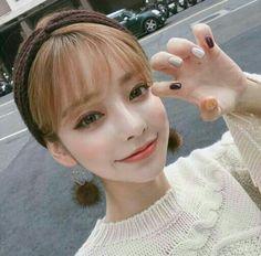 Asian Cute, Cute Korean Girl, Beautiful Asian Girls, Fashion Corner, Uzzlang Girl, Glowy Skin, Grunge Girl, Gorgeous Makeup, Tumblr Girls