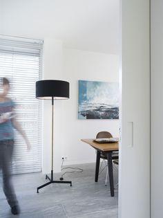 Floris Hovers | Industrieel handwerk Lights Please, Living Room Lighting, Modern Design, Desk, Doors, Black And White, Furniture, Home Decor, Products