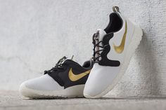 "Nike Rosherun Hyp Premium Quickstrike ""Gold Trophy Pack"". The second shoe I ever fell in love with."
