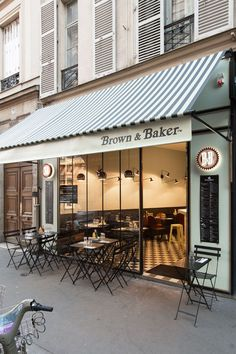 Brown & Baker : nouveau resto de burgers à Saint Lazare Cafe Bar, Cafe Shop, Coffee Shop Design, Cafe Design, Restaurant Interior Design, Cafe Interior, Store Concept, Deco Cafe, Paris New York