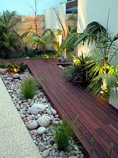 Get our best landscaping ideas for your backyard and front yard, including landscaping design, garden ideas, flowers, and garden design. Landscaping Ideas for the Front Yard - Better Homes and Gardens Tropical Landscaping, Modern Landscaping, Front Yard Landscaping, Backyard Patio, Landscaping Design, Courtyard Landscaping, Backyard Ideas, Backyard Designs, Landscaping Software