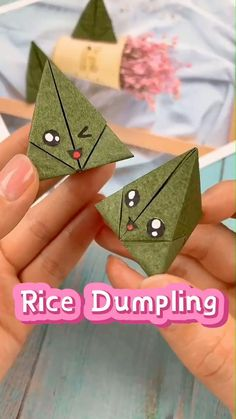 😍Sooo Cute. Follow me for more handmade tutorials. Why not show your work in the comment area? #paper craft #craft for kids Origami Simple, Instruções Origami, Kids Origami, Paper Crafts Origami, Diy Crafts Hacks, Diy Crafts For Gifts, Cute Crafts, Creative Crafts, Handmade Books