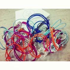 Con #marzo llega el color y la #nuevacolección ;) Esto es solo un avance, muy pronto en www.sichaccessories.com  #pulseras #handmade #madewithlove #diseñadores #spain #complementos #moda