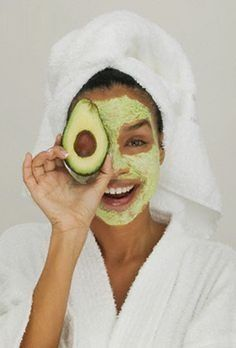 Natural Skin Remedies avocado face mask, DIY beauty, avocado recipes for great skin and hair, natural beauty remedies - Whip up these budget-friendly beauty treatments to get glowing the natural way. Homemade Facial Mask, Homemade Facials, Homemade Beauty, Homemade Masks, Homemade Moisturizing Face Mask, Homemade Scrub, Homemade Moisturizer, Beauty Care, Homemade Face Masks