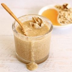 Only 3 ingredients in this amazing oatmeal honey face scrub that exfoliates, moisturizes and soothes dry and irritated winter skin.