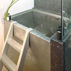 Small Modern Japanese Soaking Tub for Contemporary Bathroom