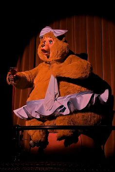Why did I love the Country Bear Jamboree so much as a kid? Because it was PURE Disney MAGIC! Disney Parks, Walt Disney World, Disney Cruise, Walt Disney Imagineering, Country Bears, Chuck E Cheese, Fun Songs, Vintage Disneyland, Disney Magic Kingdom
