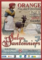 Salon des santonniers d'Orange (Vaucluse) les 12 et 13 décembre 2015, foire aux santons - exposition et démonstration de  Liliane Guiomar