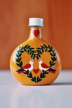 Glass Bottle Crafts, Wine Bottle Art, Glass Bottles, Painting Glass Jars, Bottle Painting, Pottery Painting Designs, Paint Designs, Flower Diy, Diy Flowers