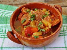 11 egyszerű és házias leves filléres alapanyagokból | Mindmegette.hu Thai Red Curry, Bacon, Soup, Eat, Ethnic Recipes, Drinks, Drinking, Beverages, Drink