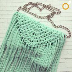 75 likes 3 comments Crochet Wallet, Crochet Clutch, Crochet Handbags, Crochet Purses, Crochet Bags, Diy Clutch, Diy Purse, Crochet T Shirts, Diy Crochet