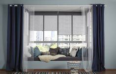 Uma solução de vários cortinados permite-lhe regular a intensidade da luz no espaço.