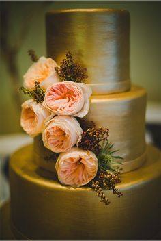 Peach Cabbage Roses on a Gold Dipped Cake