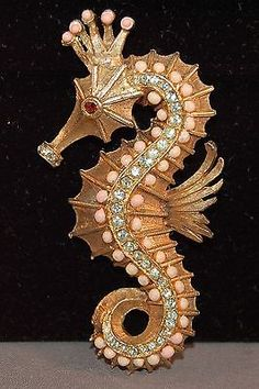 EXTREMELY RARE Hattie Carnegie Known Design Figural Seahorse Vintage Brooch.