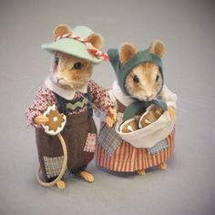 Are you looking for R John Wright Fairy Tale Mice Hansel & Gretel? Exquisite! #RJohnWright