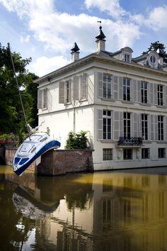 Erwin Wurm - Misconceivable (2010) - Antwerpen (Middelheim park) Belgium