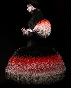 "Evelyne Politanoff: ""Slowly Seeping Through My Hands:"" The Wearable Art of Nikoline Liv Andersen fashion couture textile art reminds me of a character in chinese opera or theatre 3d Fashion, Fashion Details, Couture Fashion, Editorial Fashion, Fashion Design, Weird Fashion, Textiles, Art Textile, Foto Art"