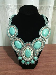 Collar soutache en turquesa