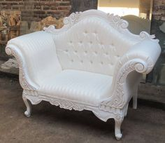 French antique style button-back chair