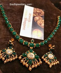 Gold Jewelry For Bridesmaids Product Gold Chain Design, Gold Jewellery Design, Antique Jewellery, Emerald Jewelry, Emerald Necklace, Gold Necklace, Nose Jewelry, Temple Jewellery, Jewelry Patterns