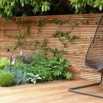 Horizontal fence panels – modern garden fence design ideas