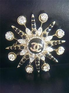 ORIGINAL VINTAGE 1980'S CHANEL STARBURST BROOCH PIN CLASSIC TIMELESS COUTURE