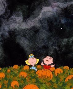 Old Hollywood — It's the Great Pumpkin, Charlie Brown dir. Cute Fall Wallpaper, Halloween Wallpaper Iphone, Iphone Wallpaper Fall, Holiday Wallpaper, Iphone Background Wallpaper, Halloween Backgrounds, Cute Backgrounds, Aesthetic Iphone Wallpaper, Cute Wallpapers
