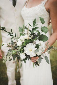 Smile-Filled Backyard Wedding | Alyssa Wilcox Photography | Bridal Musings Wedding Blog
