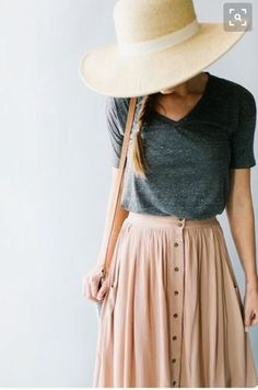 How to Wear Midi Skirts - 20 Hottest Summer /Fall Midi Skirt Outfit Ideas As its. How to Wear Midi Skirts - 20 Hottest Summer /Fall Midi Skirt Outfit Ideas As its title suggests, a midi skirt is a s Midi Rock Outfit, Midi Skirt Outfit Casual, Maxi Skirt Outfit Summer, Casual Skirts, Summer Maxi Skirts, Maxi Skirt Outfits, Dress Summer, Sunday Dress Outfit, Maxi Skirt Work