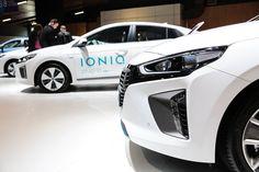 Focus sur la Hyundai IONIQ ! Crédit photo : BITTON  #MondialAuto #automobile #automotive #auto #voiture #cars #carsofinstagram #instacar #parismotorshow #event #paris #france #hyundai