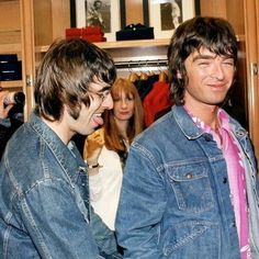 The Girl with Xray Eyes — Noel & Liam Gallagher Oasis Brothers, Liam Gallagher Noel Gallagher, Q Awards, Oasis Music, Oasis Band, Liam And Noel, Britpop, Music Bands, Cool Bands