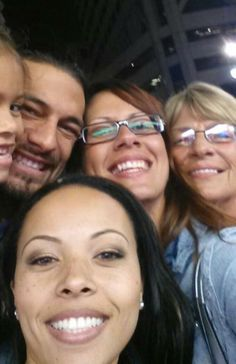 Selfie time... Joe Anoa'i with his daughter, sister, mom and fiancee