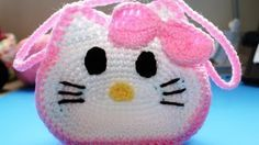 Knitting Patterns Bag Crochet 'Hello Kitty' Inspired little girls purse – Video 3 (Final) Mala Hello Kitty, Crochet Hello Kitty, Hello Kitty Purse, Crochet Bunny, Coin Purse Pattern, Crochet Purse Patterns, Bag Pattern Free, Knitting Patterns, Backpack Pattern