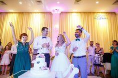 Fotograf nunta - Fotograf nuntă București - Fotografie Nunta Prom Dresses, Formal Dresses, Fashion, Moda, Formal Gowns, La Mode, Black Tie Dresses, Fasion, Gowns