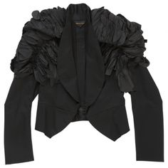 Spencer style black jacket in slightly shiny cotton, oversize insert on shoulder with set of pleats, bottom slightly longer in front. Composition 52% cotton, 44% rayon, 4% polyurethane.