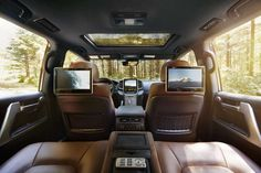 Toyota Land Cruiser 2018 is an interesting SUV that is expected to offer clients with a variety of choices when Land Cruiser 200, Toyota Land Cruiser, Land Cruiser Interior, Suv Cars, Old Classic Cars, Best Muscle Cars, Luxury Suv, Toyota Hilux, Prado