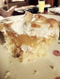 Lemon meringue cupcakes Meringue, Buns, Lemon, Pie, Pudding, Cupcakes, Desserts, Food, Merengue