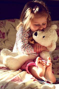 Kids love fairytales, and they love teddy bears!  Tonight and Friday, let's do TEDDY BEARS.