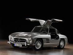 "Mercedes Benz 300SL ""Gullwing"" The most beautiful car ever built !"