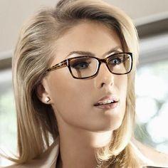 Модные оправы для очков 2019-2020, очки для зрения, фото, новинки Titanium Eyeglass Frames, Girls With Glasses, Eyeglasses For Women, Eye Glasses, Pixie, Eyewear, Eyes, Sexy, Face