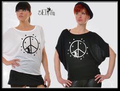 3Elfen Girlie Shirt in weiß oder schwarz mit von 3Elfen auf Etsy, $45.00 Elf, Bat Sleeve, Batwing Sleeve, Bat Wings, Outfit, Tights, Shirts, Fitness, Sleeves