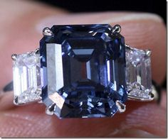 MOST EXPENSIVE ENGAGEMENT RINGS IN THE WORLD | flawless-blue-diamond-the-most-expensive-gemstone-in-the-world2.jpg