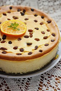 Cheesecake with raisins?! WTH!! Complete madness!