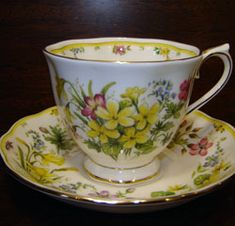 Royal Albert - The Country Bouquet Collection - Warm Sunshine