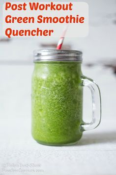 The Post Workout Green Smoothie Quencher Recipe Beverages with green grapes, coconut water, spinach How To Make Smoothies, Healthy Green Smoothies, Coconut Smoothie, Good Smoothies, Fruit Smoothies, Healthy Drinks, Healthy Recipes, Healthy Food, Spinach Recipes
